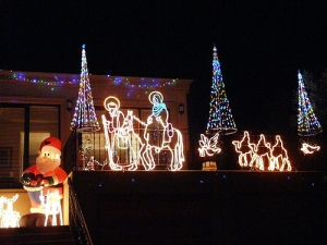 Boulevard Lights at Christmas on a house in Australia