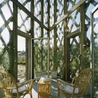 contemporary garden trellis